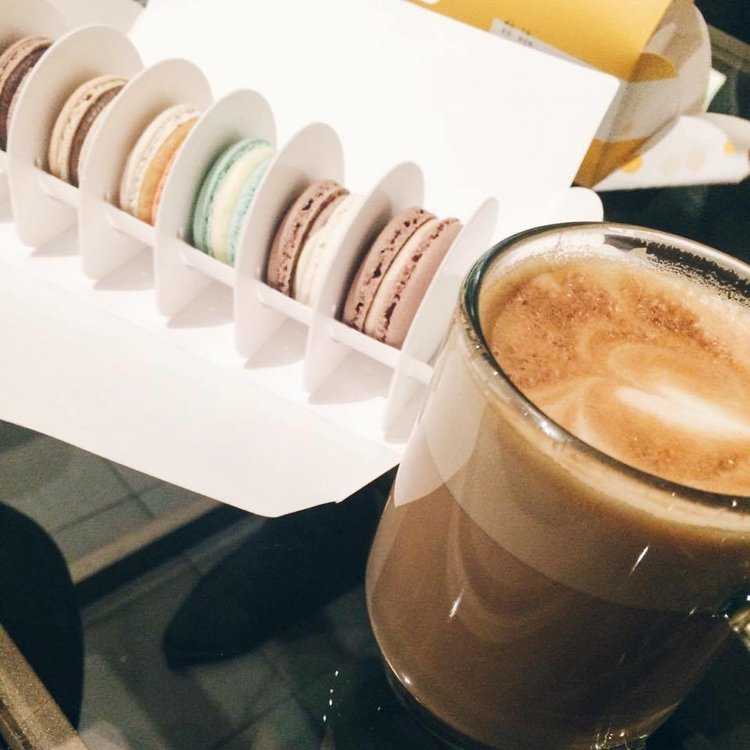 Latte and Macarons at Butter Avenue | Tall Girl Meets World