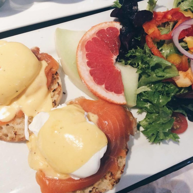 Salmon Eggs Benedict from Harbord House | Tall Girl Meets World