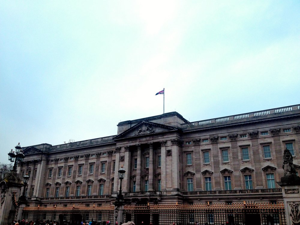 Buckingham Palace | Tall Girl Meets World