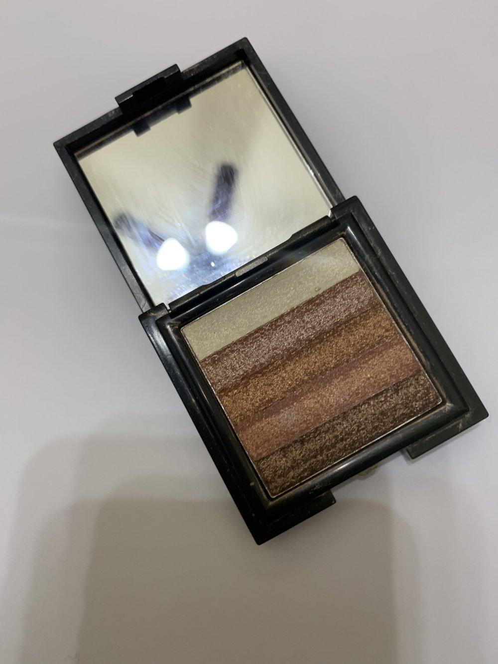 Bobbi Brown Bronze Brick highlighter-$10