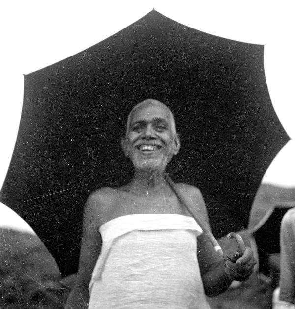 ramana-maharshi-umbrella-smile.jpg