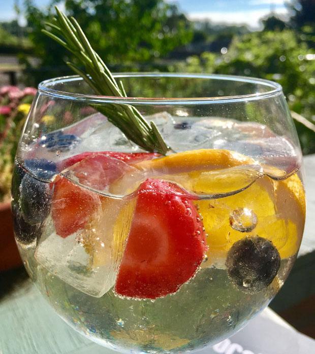 Gin-low.jpg