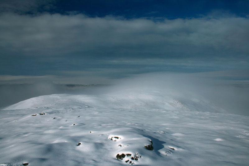 cairngorms-snowy-peaks