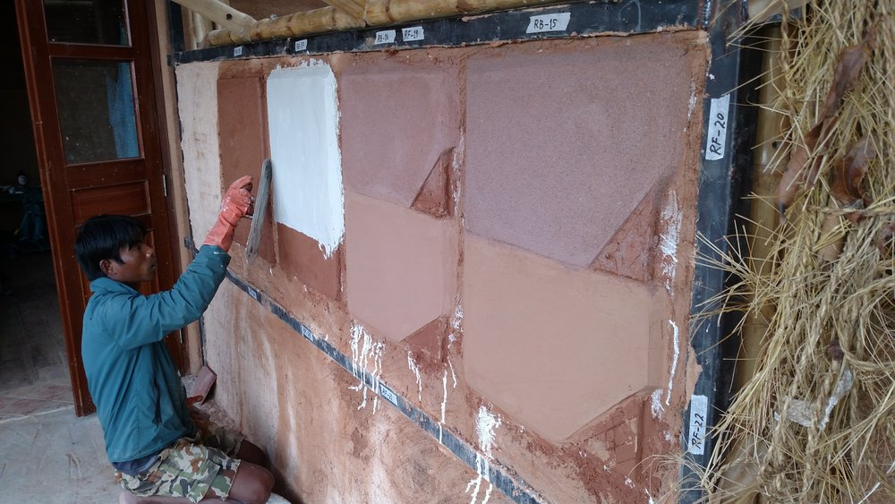 Plaster trials with lime and coloured clays