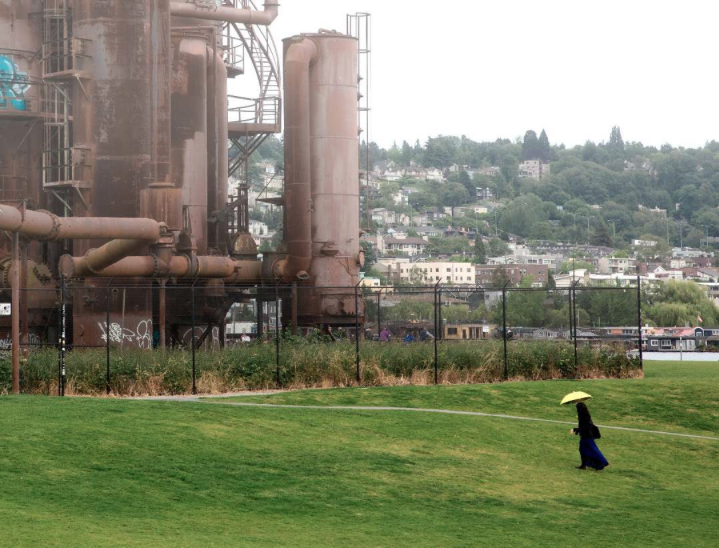 "@gksp ""wandering Gas Works Park like a mysterious woman wandering the moor."""