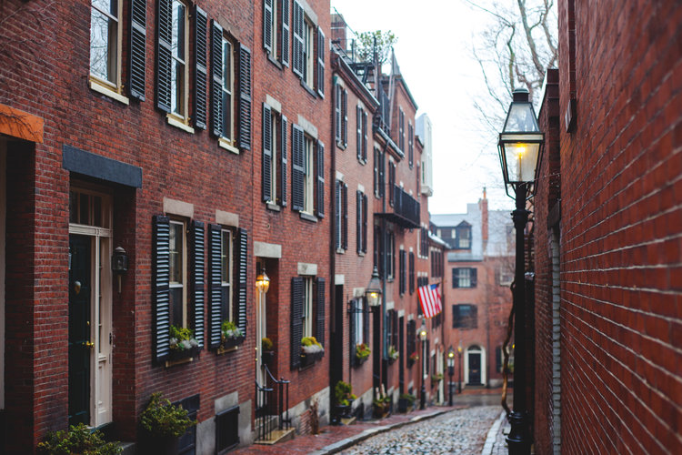 Top reasons to visit Boston and things to see Most photographed street in USA Acorn Street