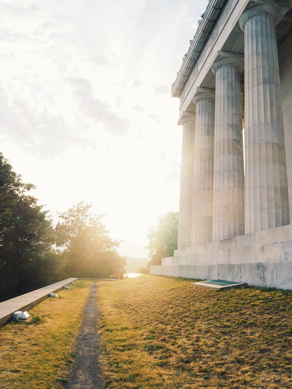 Bucket List Places to see on the east coast of the USA Claire Wang Lincoln Memorial DC Travel Women