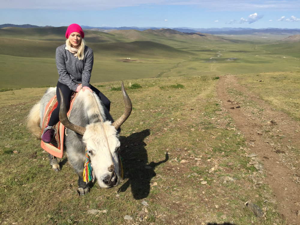 Heinik ride Mongolia Rin Ambassador Travel Women