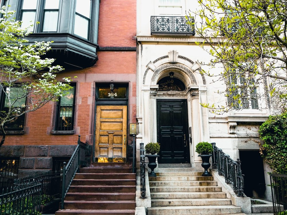 Guide to Boston, Massachusetts, USA, The Travel Women, Claire Wang Back Bay victorian home brownstones