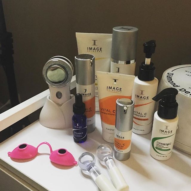 Do you use @imageskincare in your spa? - We love seeing what skincare lines you pair your MYSKINBUDDY with.  The best part? It works with ALL OF THEM! #professionalfacial #facialtreatments #professionalskincare - Thank you to @eirinn.beazleylmt for sharing your treatment room with us!