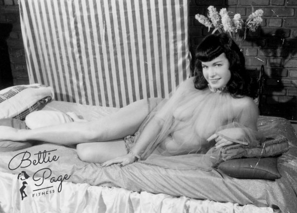 The rare Bettie pic without the sucked-in stomach that was so common in her day! Beautiful!