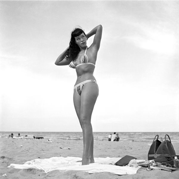 bettie curvy beach.jpg