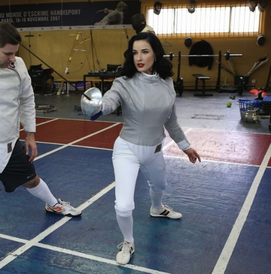 ~Dita Von Teese taking fencing lessons with Olympic silver medalist Tim Morehouse~