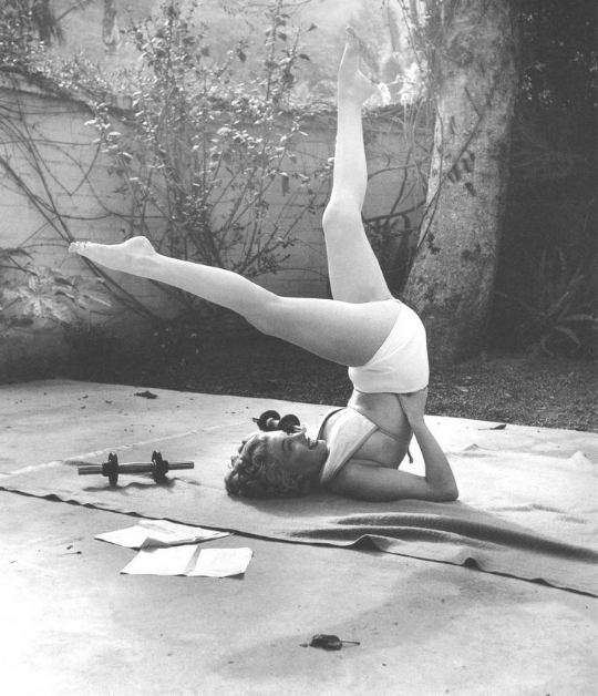 ~Marilyn rocks a Shoulder Stand variation~