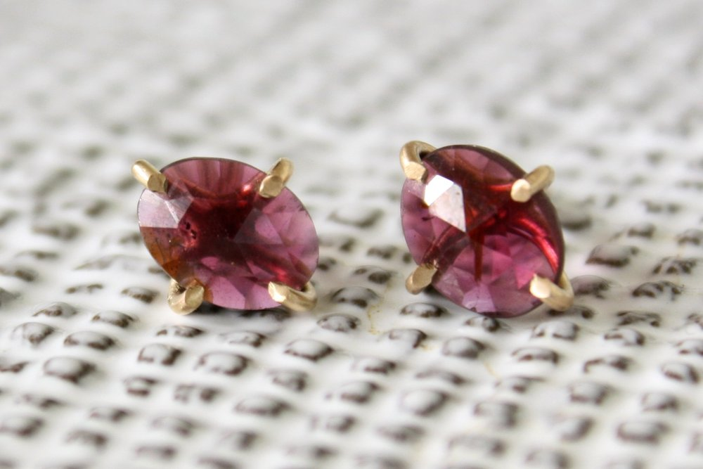 garnet_earrings2