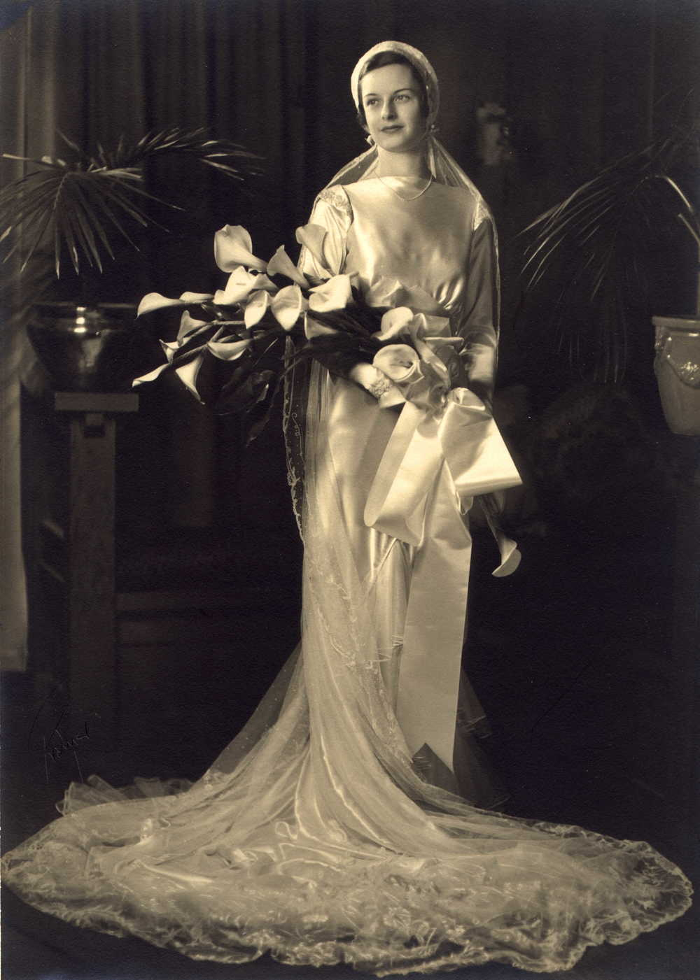 Lisa Porter in her full wedding dress