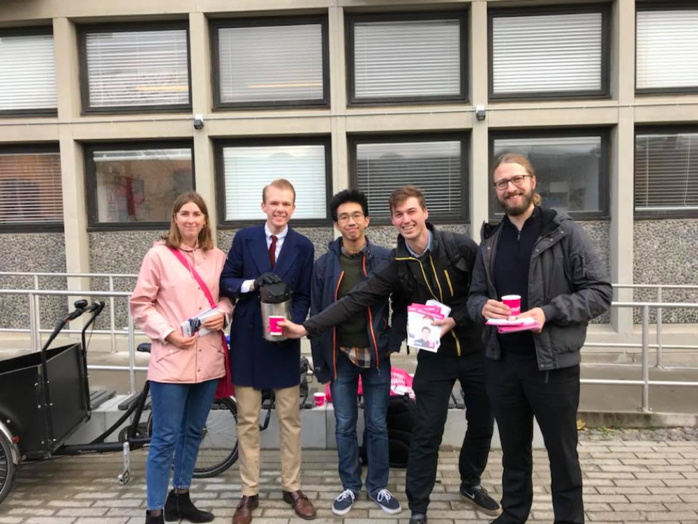Former leader of RU, Christopher Røhl, handing out coffee with his eager campaigning team! Picture: Radikal Ungdom