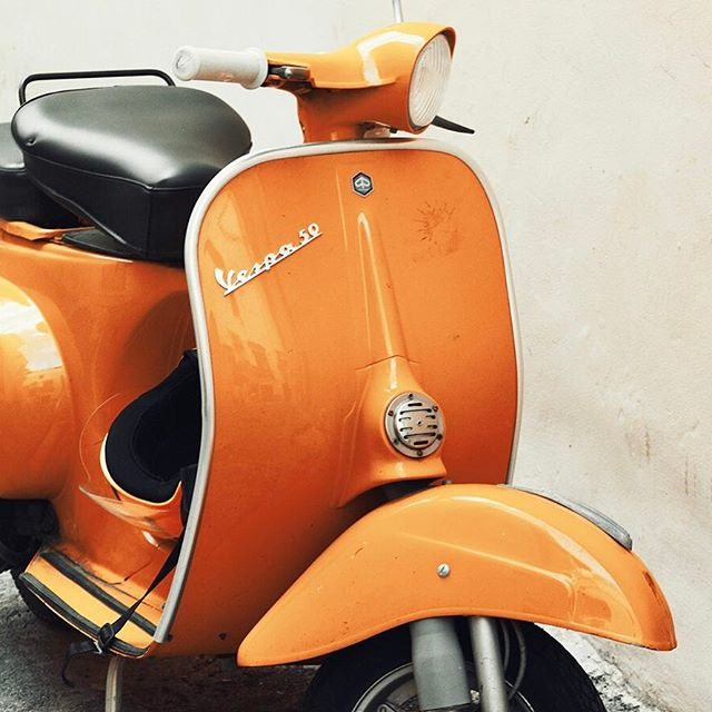 The sun is shining!  Get outside and enjoy this sunshine with a #charbrew in hand...maybe take a cruise on a #Vespa ?! 🍊💛
