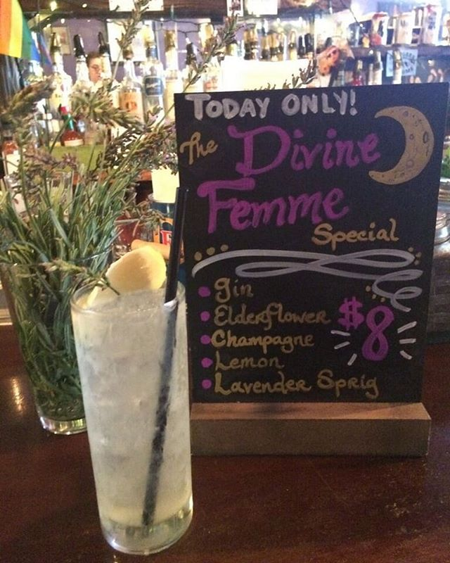 🎶 come and get your loOoOoove 🎶  Drink special ALL DAY!! Swing on by for live music on our patio starting at 7 pm!!! #divinefemmes #newyork #nyc #livemusic #patio #bushwick #brooklyn