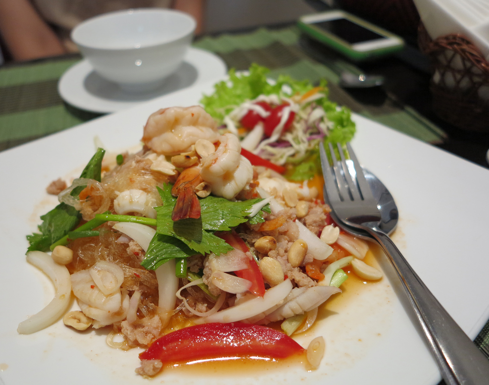 Glass noodle salad with Seafood