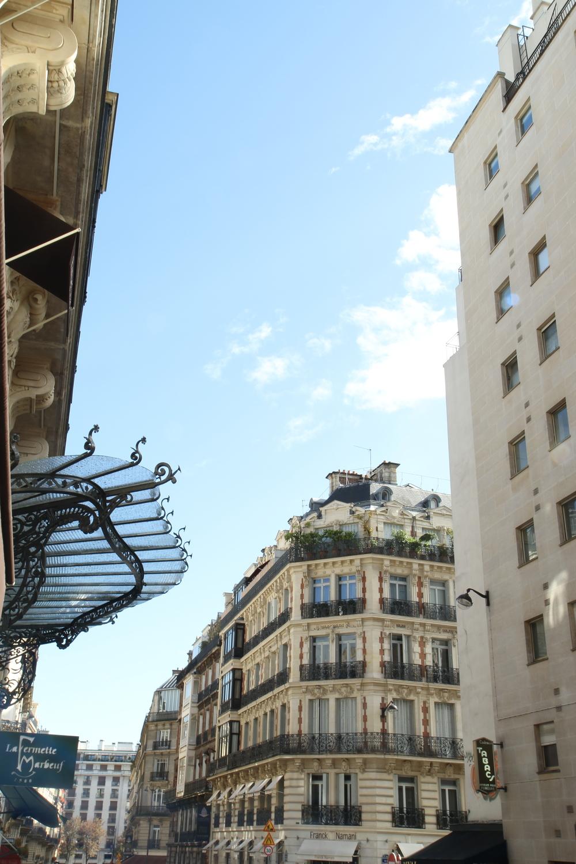 Các ban công ở Paris