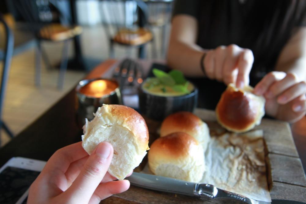 Bread & butter (Bánh mì và bơ)