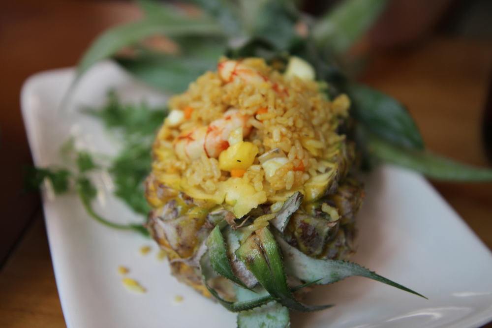 Cơm rang quả dứa vị Koh Yam (98.000 đồng)