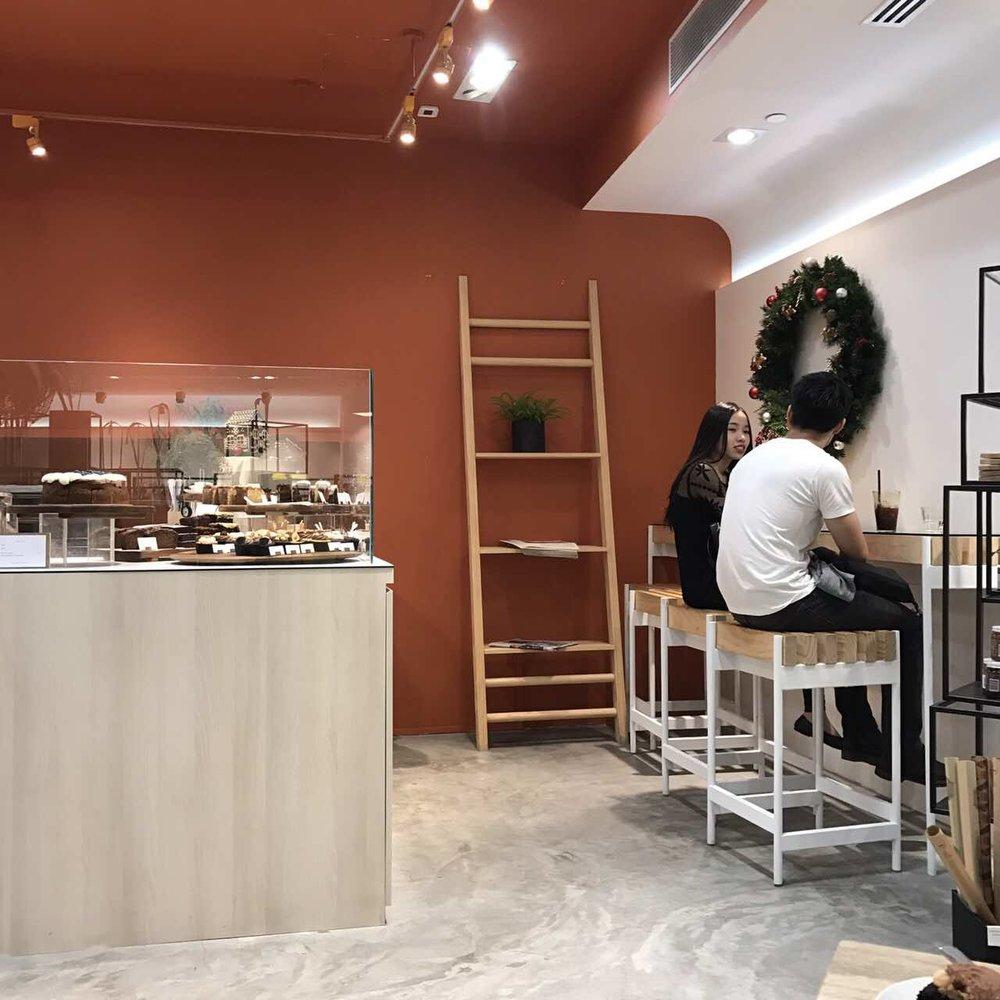 In Good Company - một cửa hàng quần áo vô cùng xinh, quán cafe bên trong đó còn xinh hơn nữa, có latte rất ngon