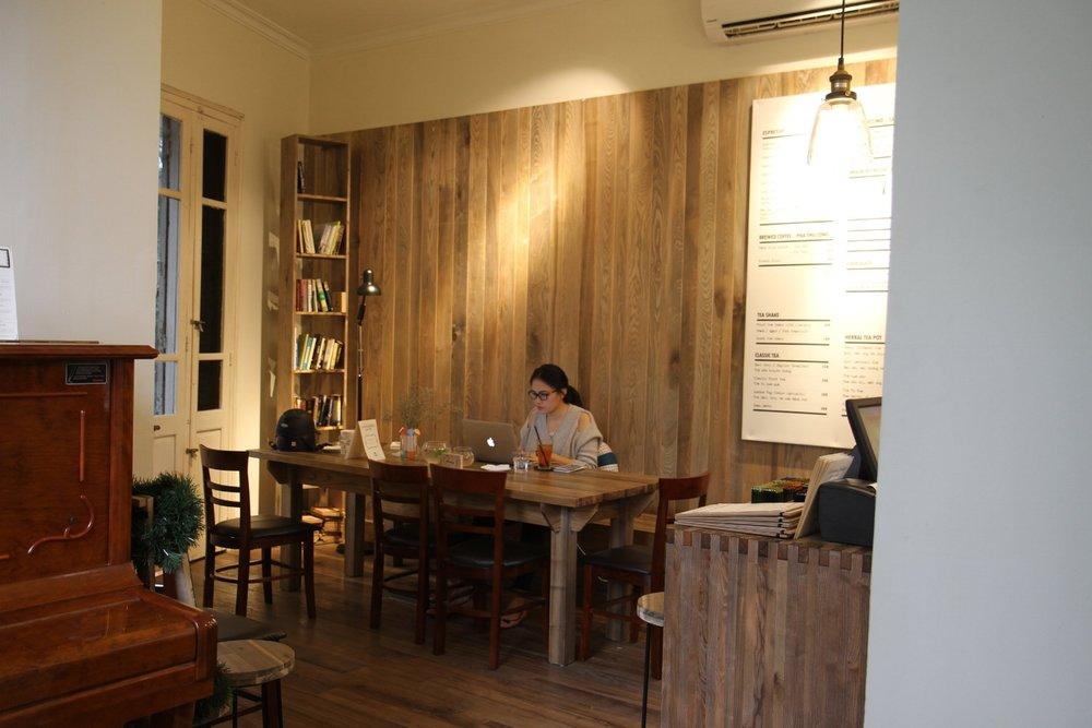 Tranquil Cafe Nguyển Biểu, Hà Nội