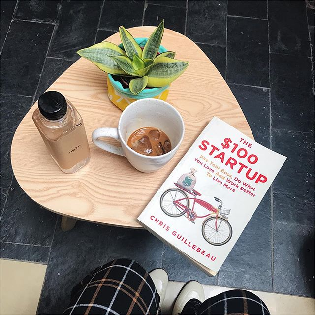 #phoholiccafehanoi 🇻🇳 a day of fresh air, great book, Arabica coffee and tranquilness at @noth.cafe ☕️. . 📍: 105D6, alley 4B, Đặng Văn Ngữ Str., Hanoi, Vietnam // 🕰: 7am - 9pm // 💰: coffee & tea: around 35k-40k . . #phoholic #phoholiccafehanoi #nothcafe #hanoifoodie #hanoicafe #foodyhanoi #lozihanoi #ncchanoi