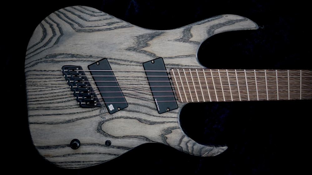 STRICTLY 7: - Cobra S7 Fanned Fret