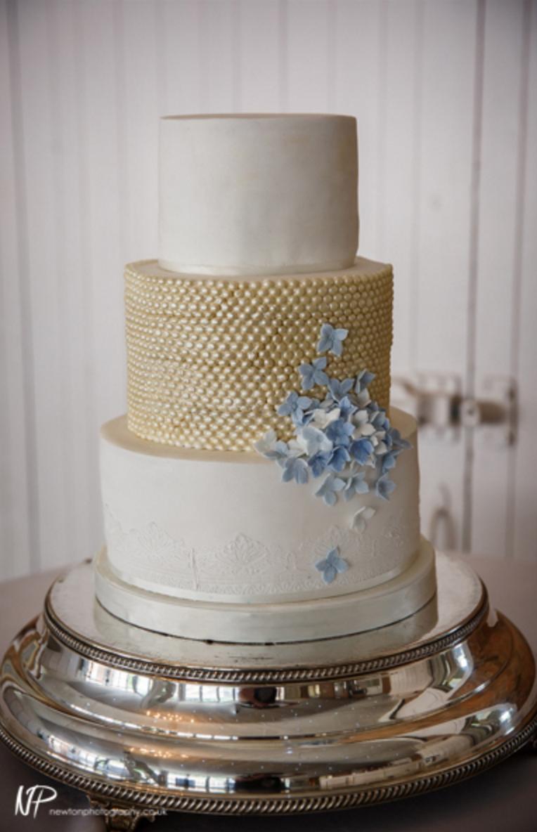 Cake : Bakezilla Bespoke Cakes