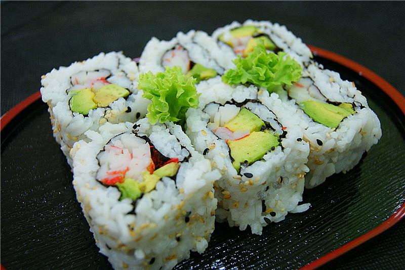 california-rolls-sushi3.jpg