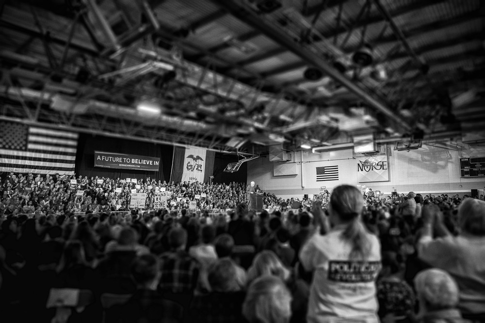Bernie Sanders speaks to a crowd of over 2,000 at Luther College on January 24, 2016. Photo by Aaron Lurth