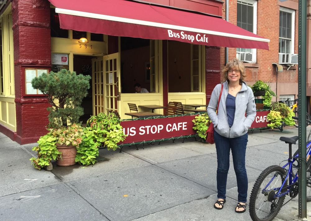 Bus Stop Cafe (Diner)