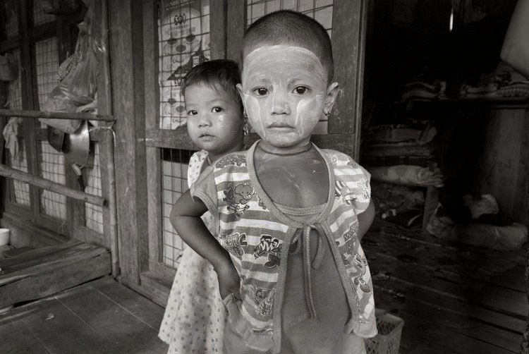 Borderlands of Burma - .