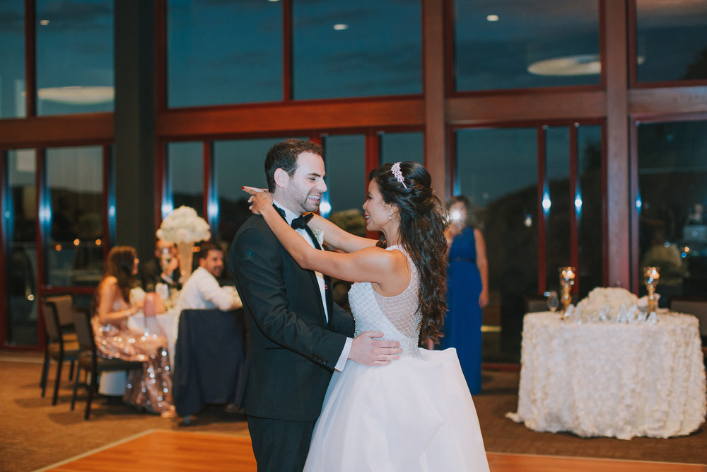 Finny Hill Photography_Dances, Toasts, Bouquet and Garter Toss, Cake Cutting_0517.jpg