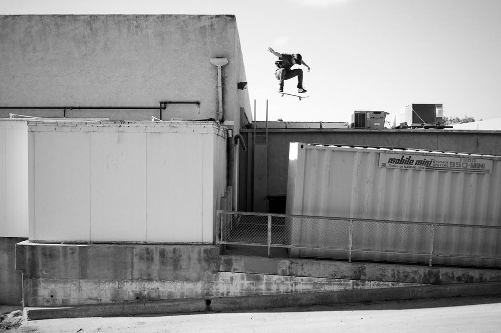 ALEX_SCHMIDT_KICKFLIP_2_LUSTEG_PHOTO.jpg