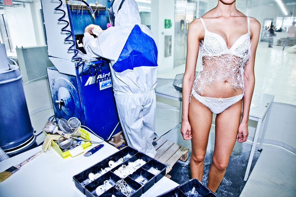 Victoria's Secret   I n  process 3-D printing of a runway look