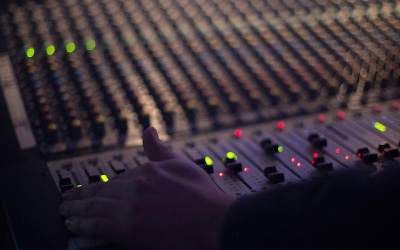 audio-1839162_1280.jpg
