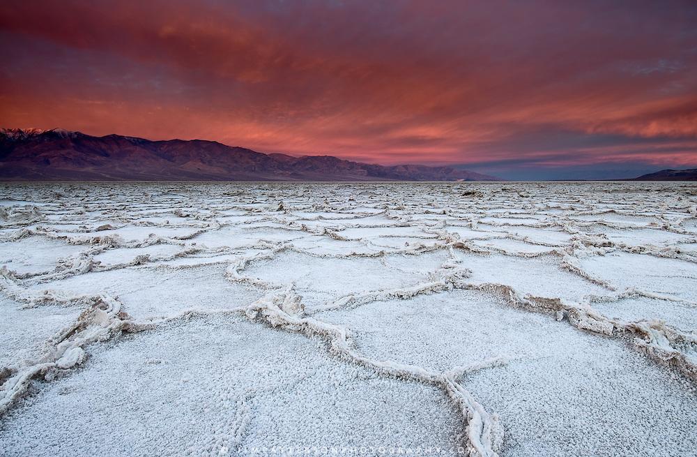 Badwater-Sunrise-Death-Valley-02.jpg
