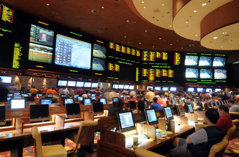 Sport-Book-betting-hotel-in-a-Vegas-casino.jpg