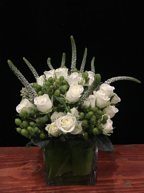 W1 White Spray Roses White Veronica Green Hypericum Berries