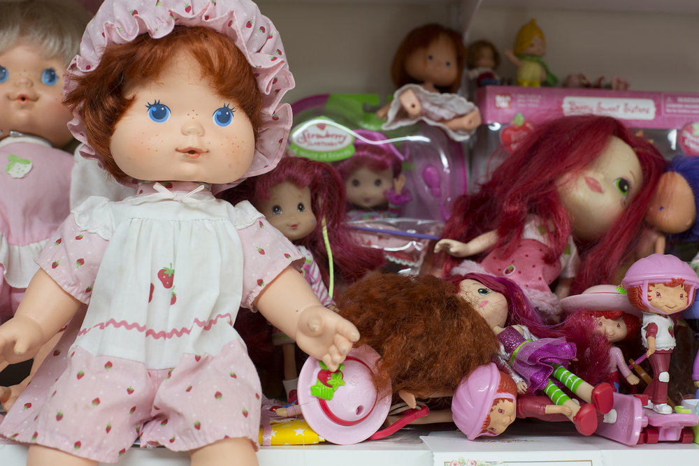 Strawberry Shortcake  dolls from the 1970s to present day. All sizes, some from Burger King and McDonalds.