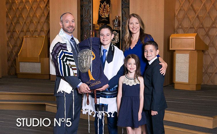 Bar-Mitzvah-temple-session1.jpg