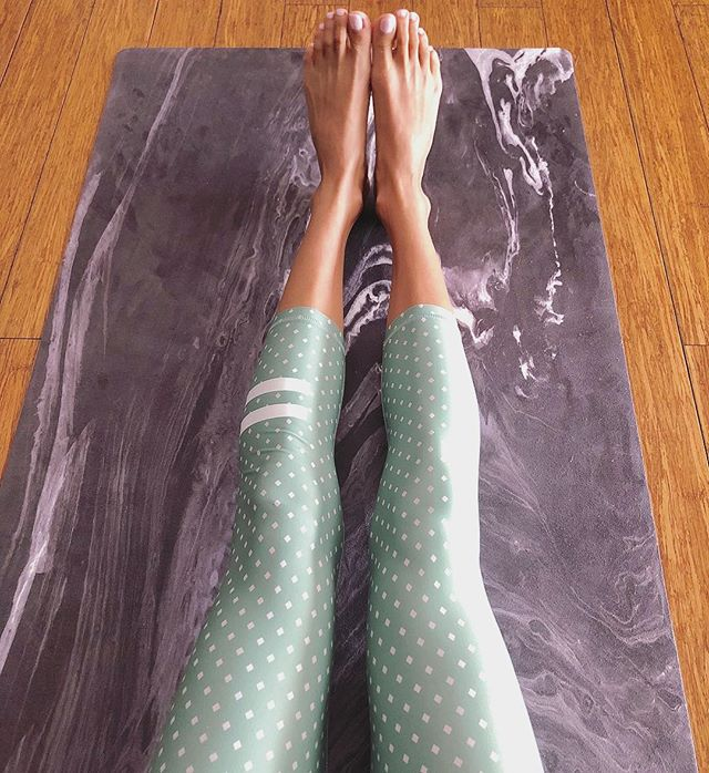 Great mornings with style + comfort! Y+S Wisdom Yoga Mat & @arcaa_movement 💫