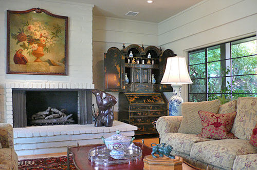 home8livingroom3.jpg