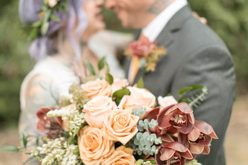 2017_wedding_edgy_bold_styled_shoot-19.jpg