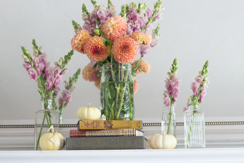 Summer to Fall Mantel Decor (www.withmichellekim.com)
