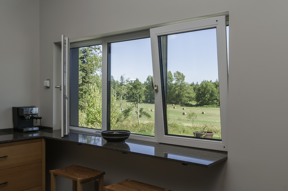 KitchenWindows1b.jpg